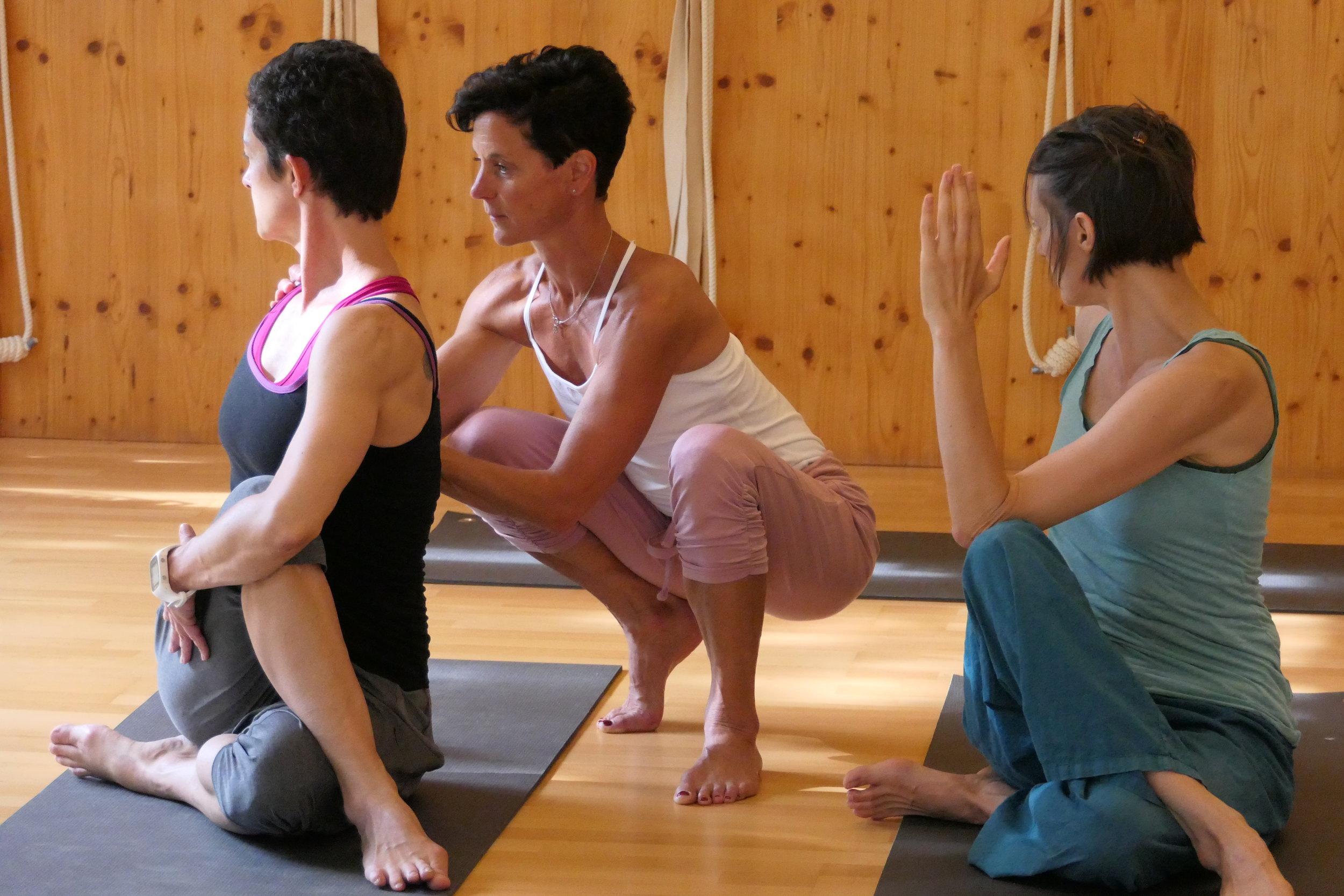Hands-on mit  Barbara Schütz, Spanda-Yoga
