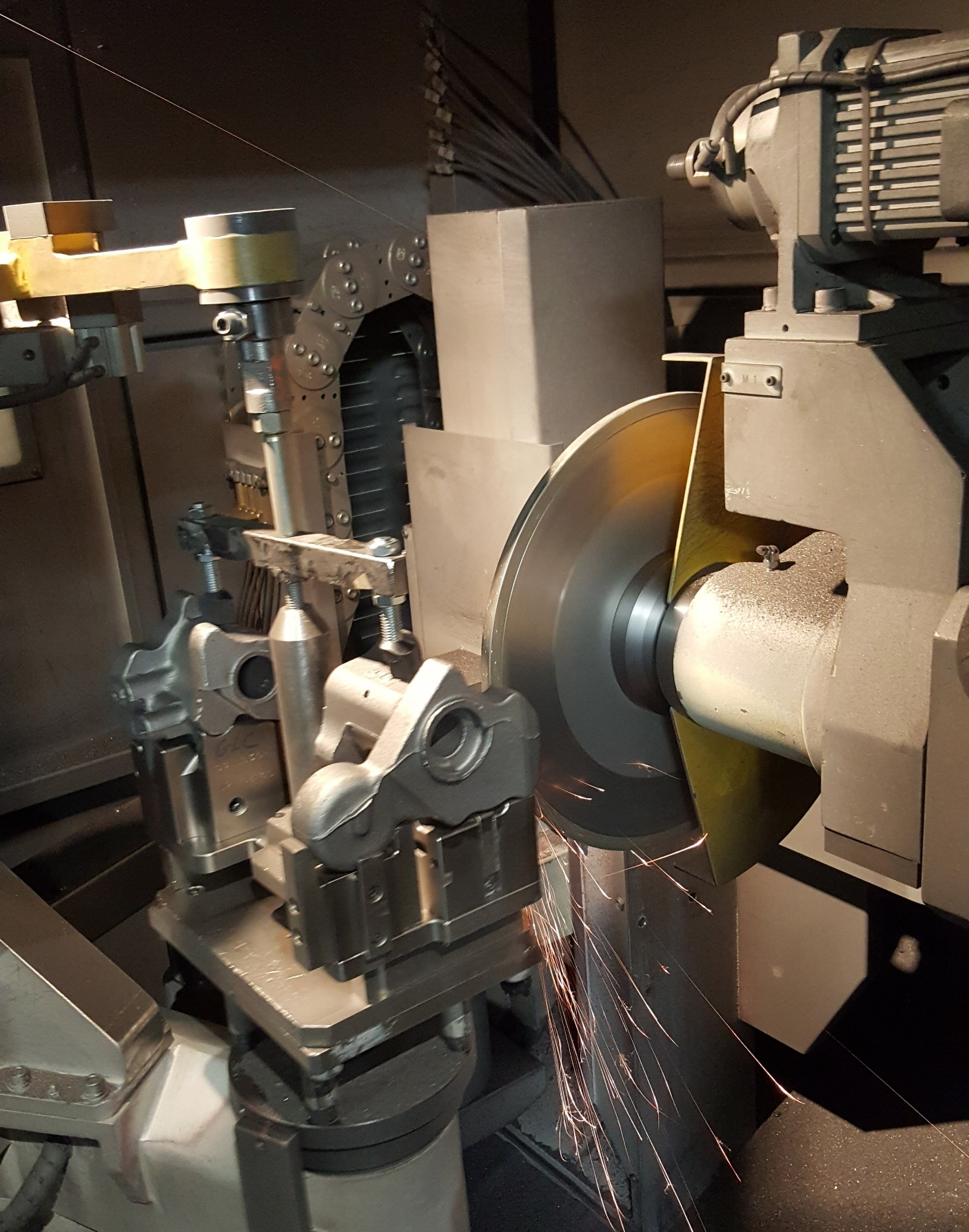 Our GLC Holland finishing facility utilizes Barrinder and Maus Automated Grinders, as well as AFS Trim Presses. These automated systems increase grinding productivity while providing greater consistency in flash and gate removal. -