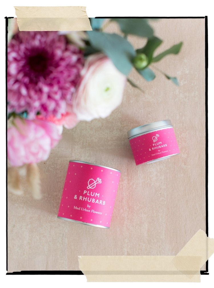 Plum & Rhubarb - A fruity and vibrant scent of black plum and fresh rhubarb is supported with interludes of ripe pear and sweet peach. It is thought to calm anxiety and promote balance.