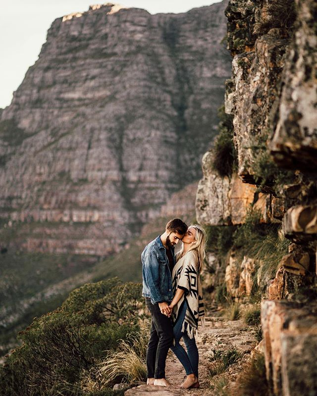 Getting photobombed by Table Mountain... but that's OK.  Happy weekend everyone :) ⠀ #loveauthentic #elopementlove #loveelope #adventurouscouple #californiaweddingphotographer #elopementphotographer #adventureelopement #adventurewedding #adventuresession #elopementcollective #radstorytellers #wanderingweddings #elopementphotographer #oregonweddingphotographer #radlovestories #dirtybootsandmessyhair #belovedstories #loveandwildhearts #authenticlovemag⠀