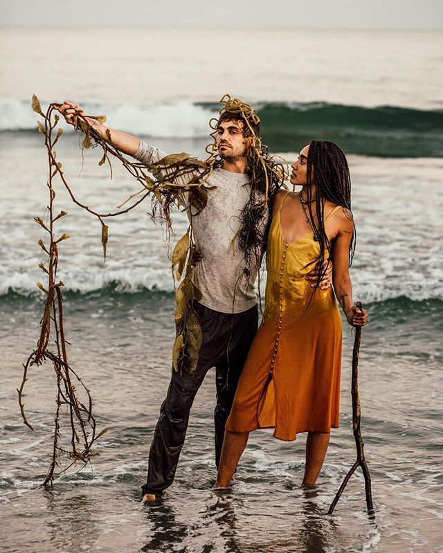 Nobody will believe me when I say that I didn't even have anything to do with this. Cool beans. I looked down at my camera to have a quick look at what I captured and when I looked up... well, let's say Josh found a piece of kelp and from there it only got better 😁 Introducing, the King & Queen of Rincon, or, ehmm Kelp!  This is my idea of 'California Dreaming', I love people who don't take life or themselves too seriously.  These two beloved, happy, Californian nuggets are on my blog. ⠀ #loveauthentic #elopementlove #loveelope #adventurouscouple #californiaweddingphotographer #elopementphotographer #adventureelopement #adventurewedding #adventuresession #elopementcollective #radstorytellers #wanderingweddings #elopementphotographer #oregonweddingphotographer #radlovestories #dirtybootsandmessyhair #belovedstories #loveandwildhearts #authenticlovemag⠀