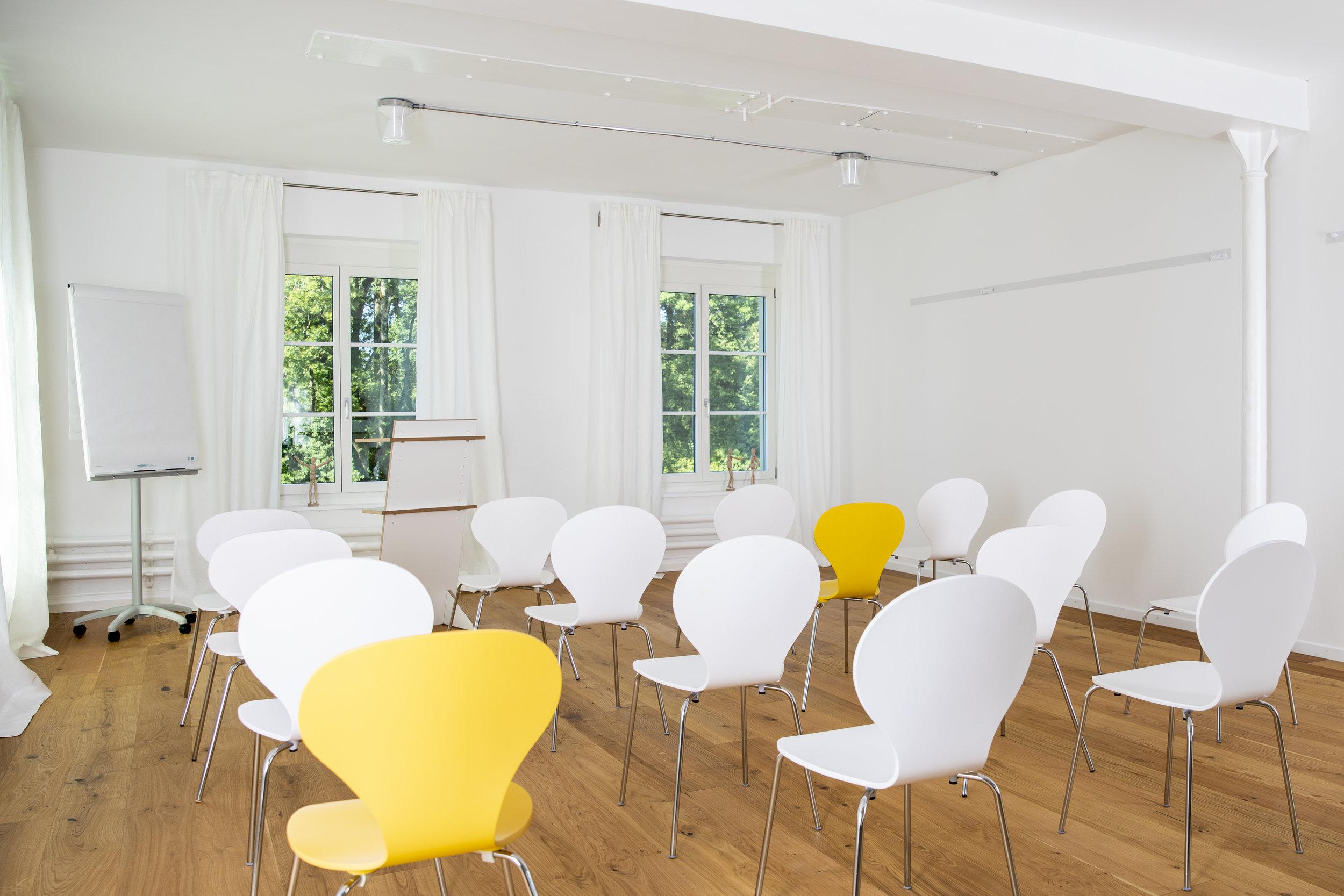"""""""Auf Tuchfühlung gehen"""": Präsentationen, Lesungen, Events in kleinerem Rahmen, bis 40 Personen"""