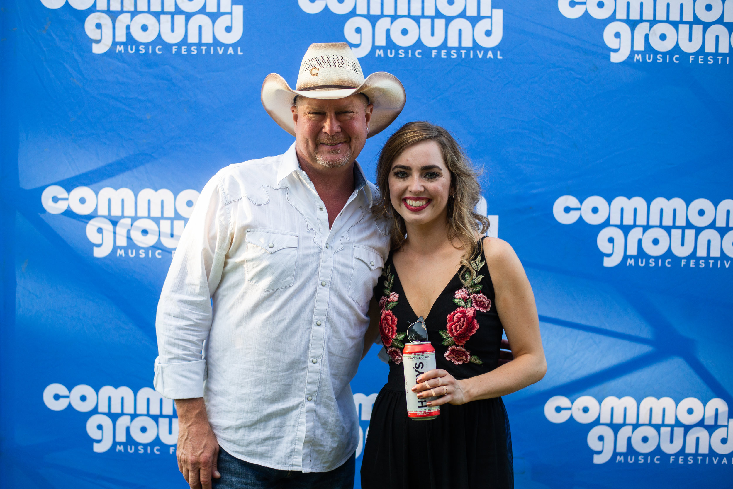 Claire Abendroth_Meet&Greet_TracyLawrence_08.jpg