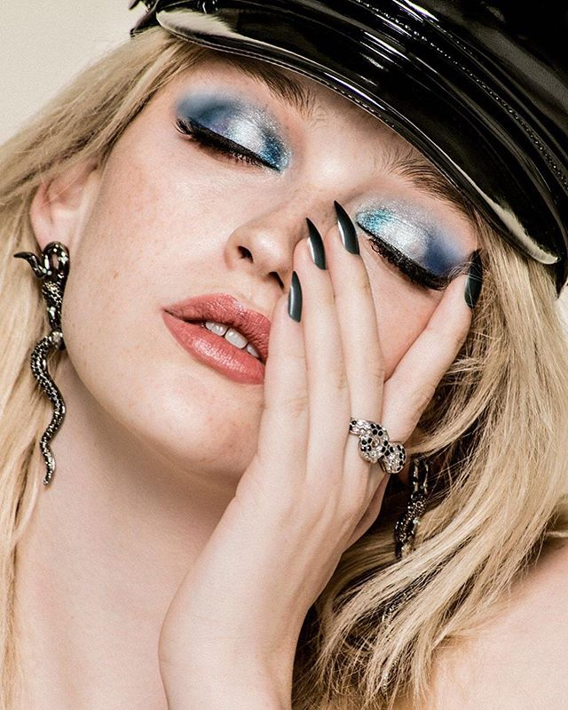 Cover story para @expertosenestetica #model @lindamargaretyoung #photo @kristenwicce #muah @alvarosanper #style yo @andreaabreu__