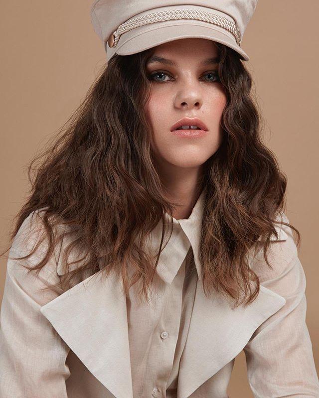 #hair and #makeup @alvarosanper y @mabelsola  #model @nikkidaenen  #styledbyme @andreaabreu__