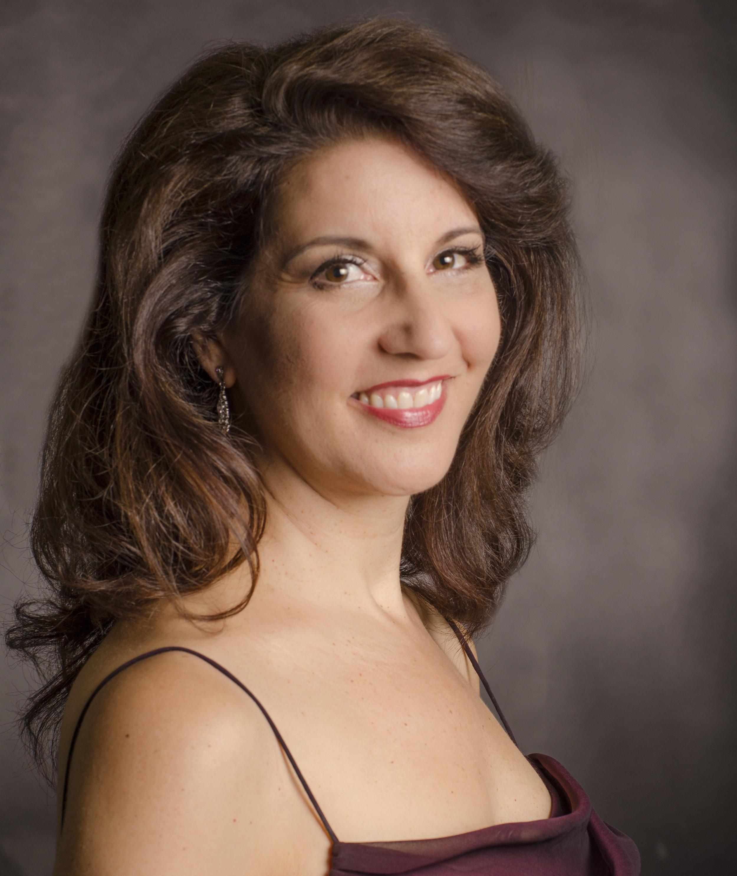 Kristin Genis Lund, Soprano
