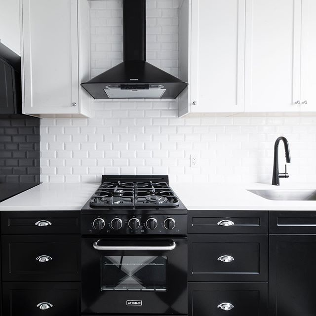 Brand-spanking new appliances, cabinets and fixtures in all of our kitchens! . . . . . . . . #bellapts #historic #renovation #gmcprojects #interiors #cookst #yyjhousing #yyjapartment #yyjdevelopment #victoriabc #kitchen #kitchendesign #interiors #smeg #blackandwhite #fixtures #finishes #interiordesign #dapper #brandnew