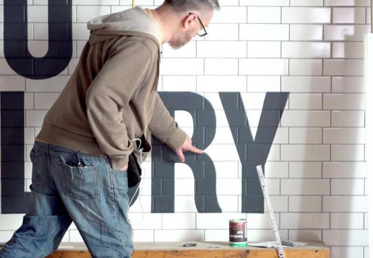 in-house-typographics-school-with-the-signsmiths-this-week-ngs-london-signwriting-2.jpg