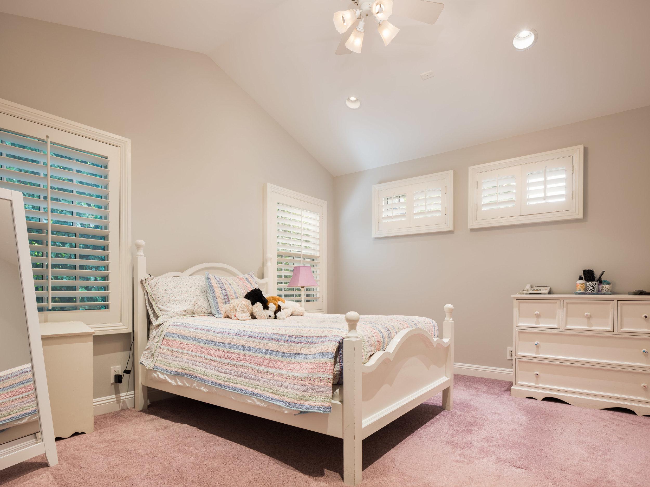 728 Woodruff Ave Westwood CA-print-022-11-Bedroom-4200x3150-300dpi.jpg