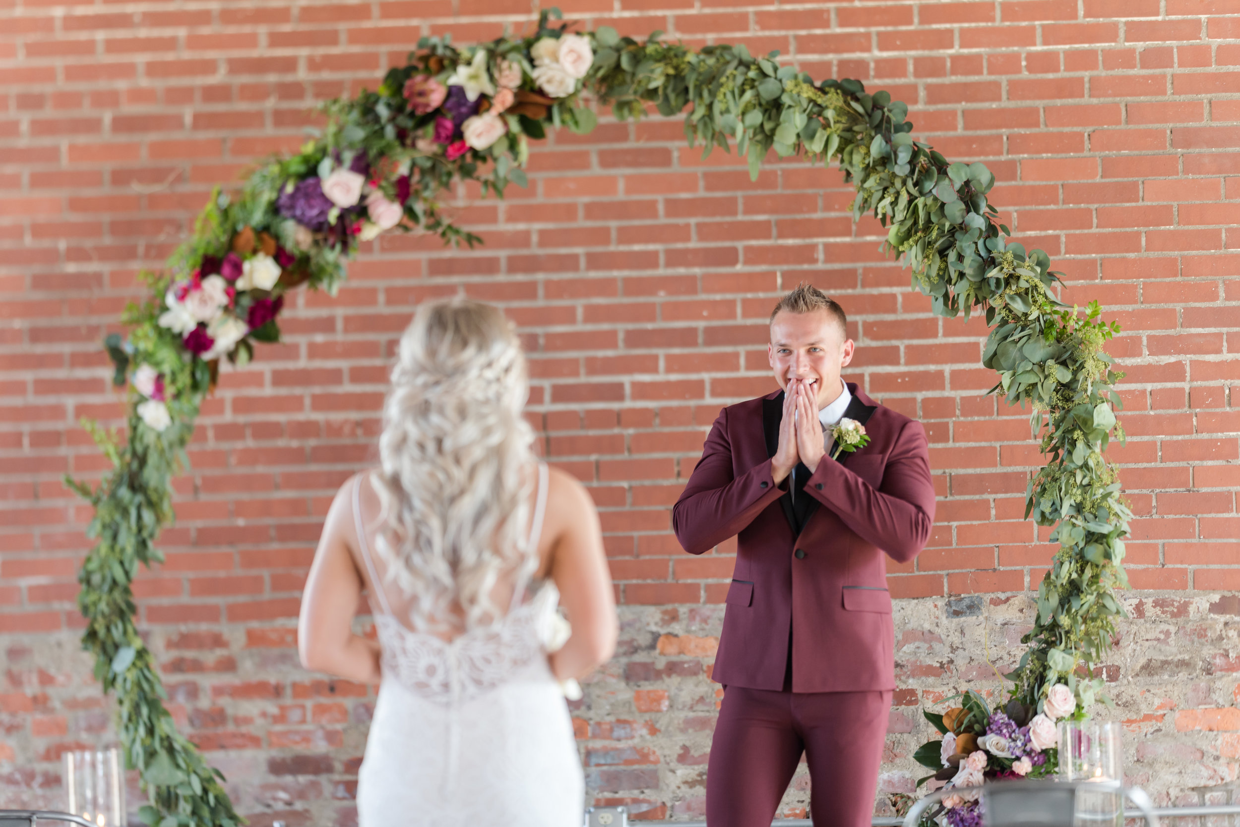 Indianapolis Wedding Photographers Wedding Day Timeline First Look