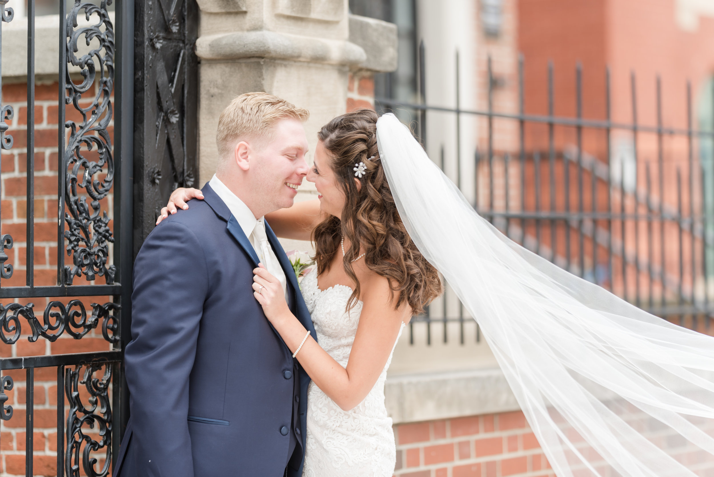 Benefits of Friday and Sunday Weddings Indianapolis Wedding Photographers