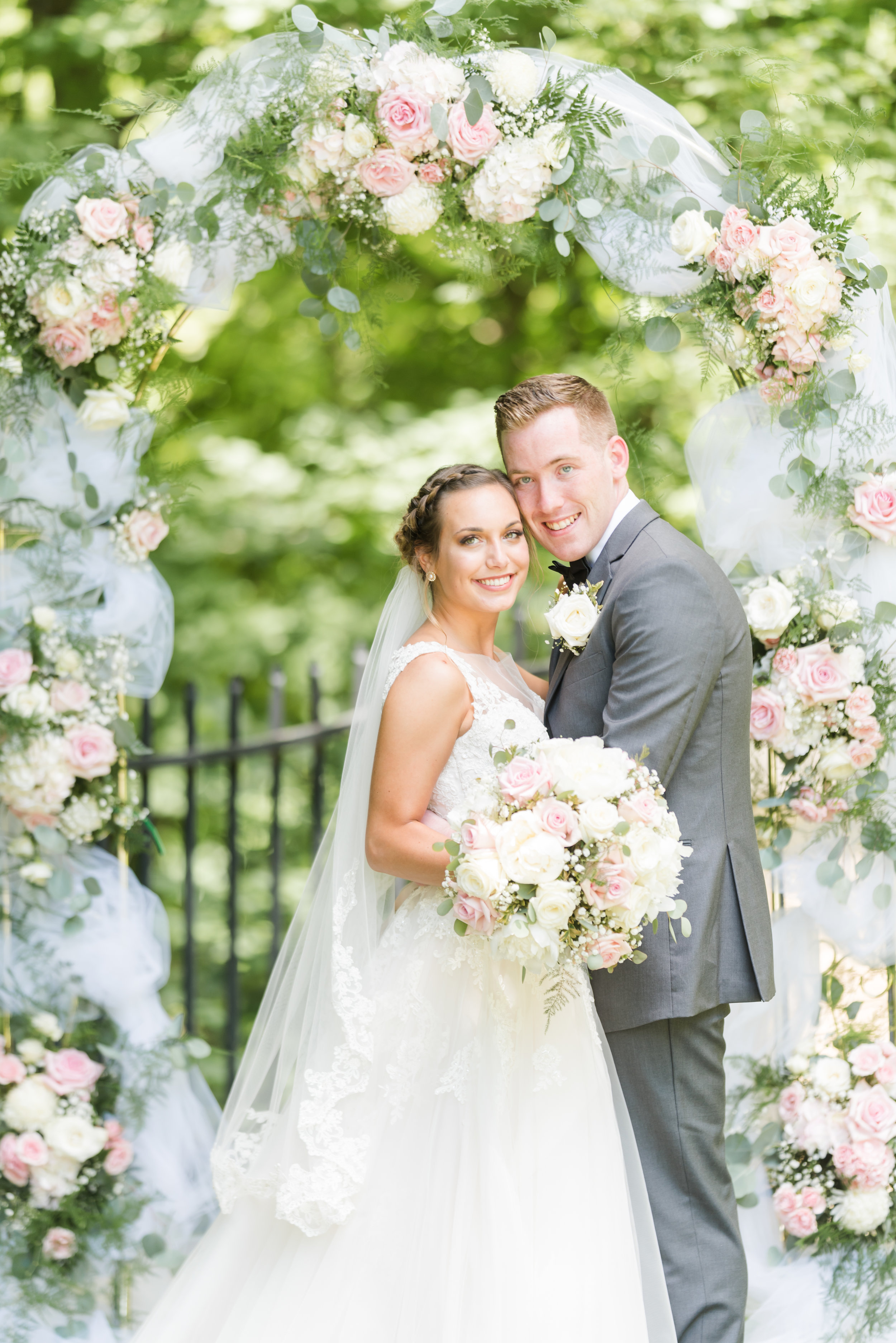 How to Have the Wedding of Your Dreams on a Small Budget