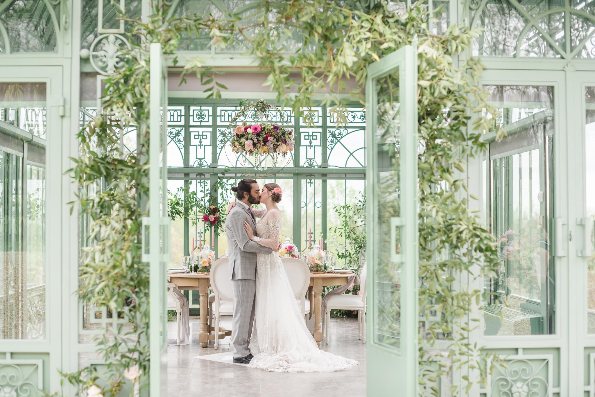 Luxury Greenhouse Wedding Atlanta Wedding Photographer 2400 on the River-26.jpg