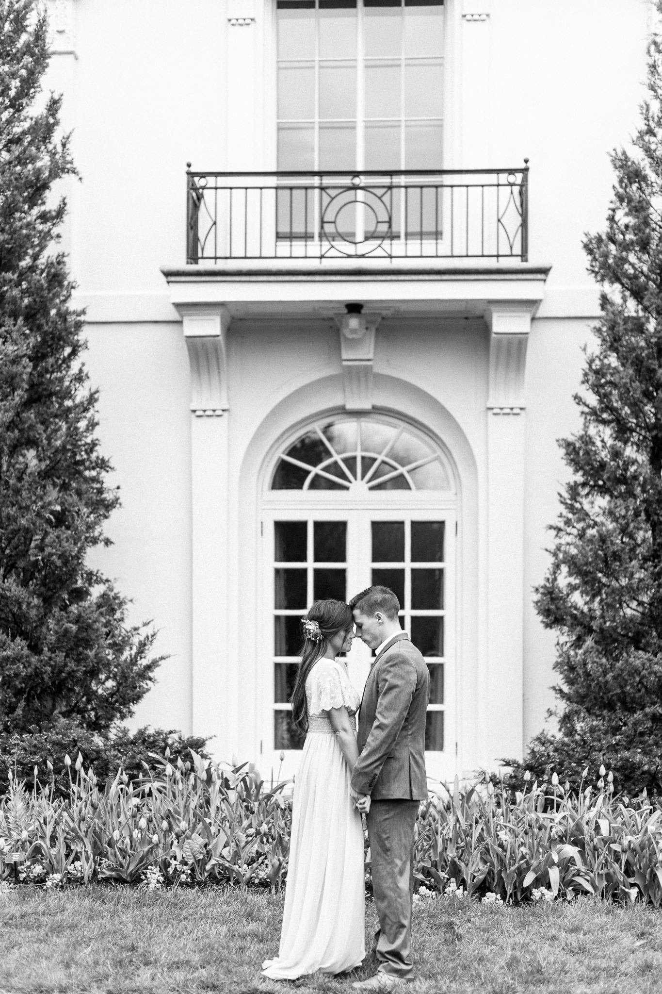 Newfields Engagement Session IMA Indianapolis Museum of Art Wedding Photos Photographer-74.jpg