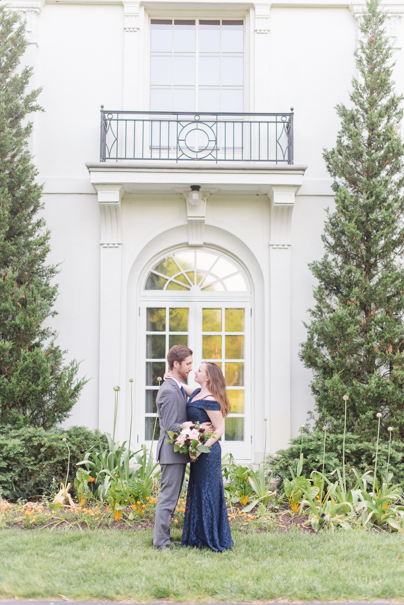Spring Engagement Session at Newfields Indiana Museum of Art Wedding Photographer-7.jpg