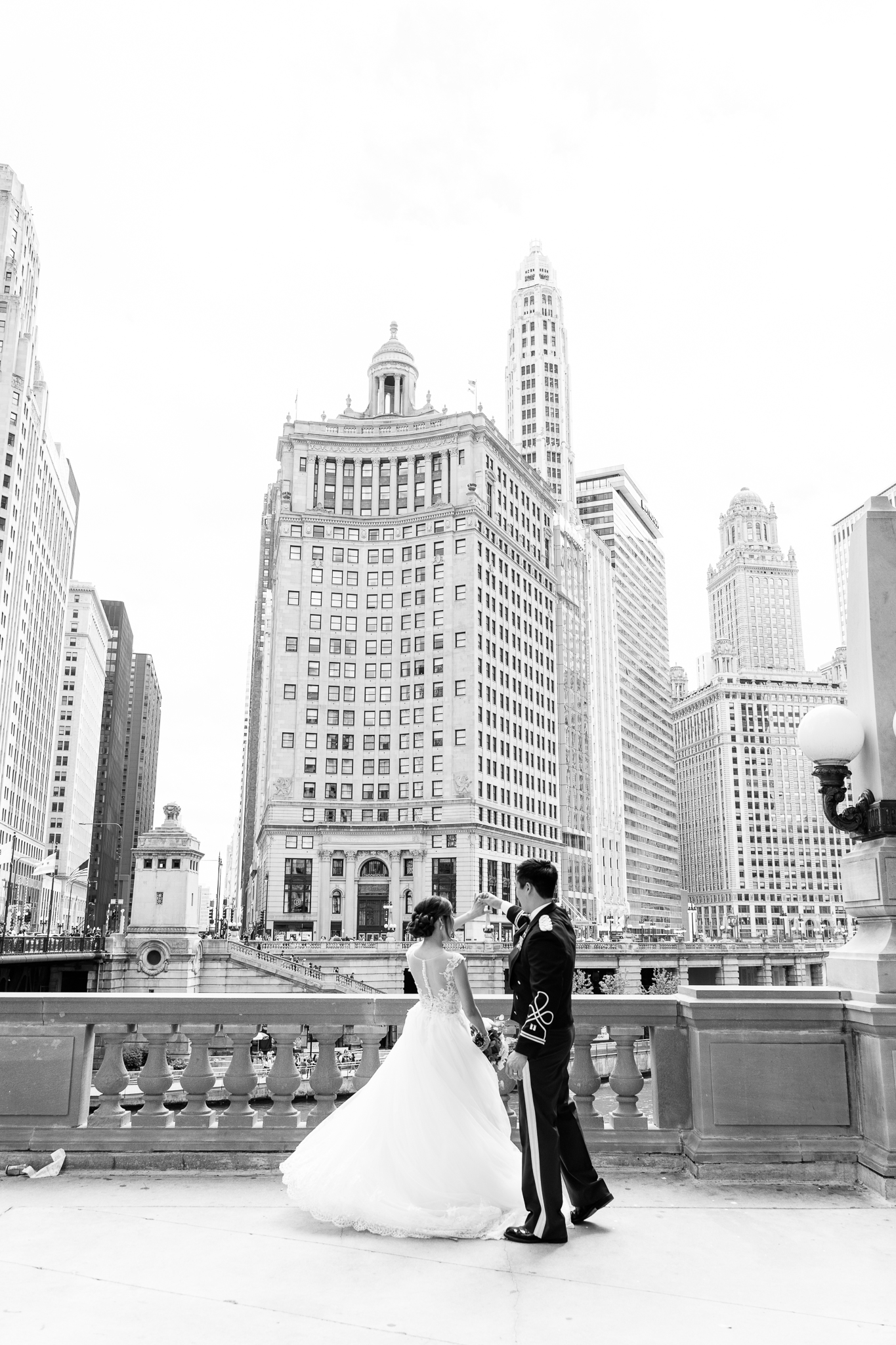 Downtown Chicago Wedding Photographer-106.jpg