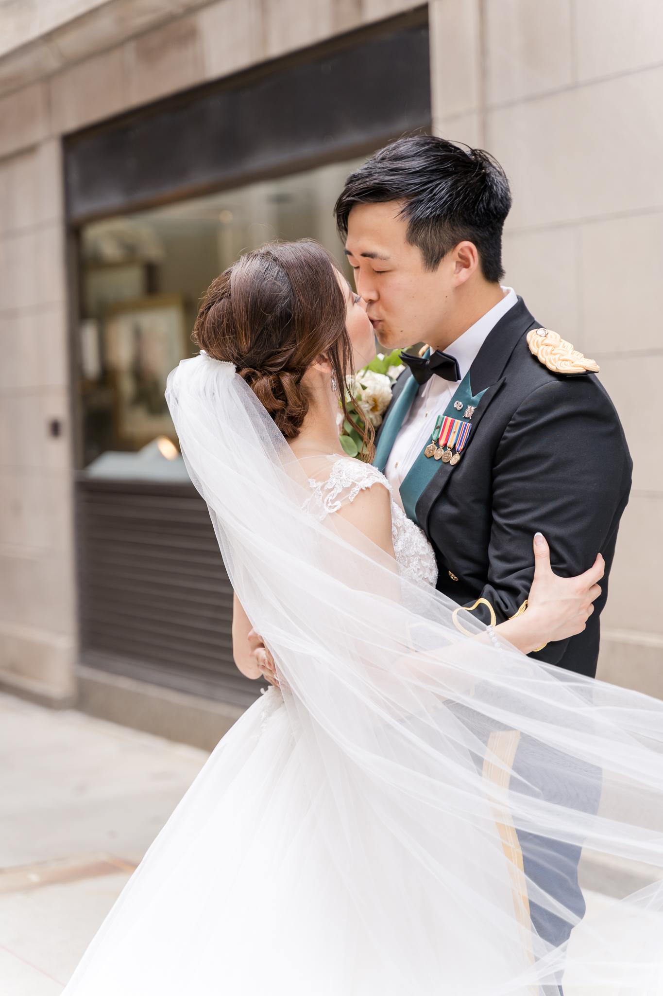Downtown Chicago Wedding Photographer-166.jpg