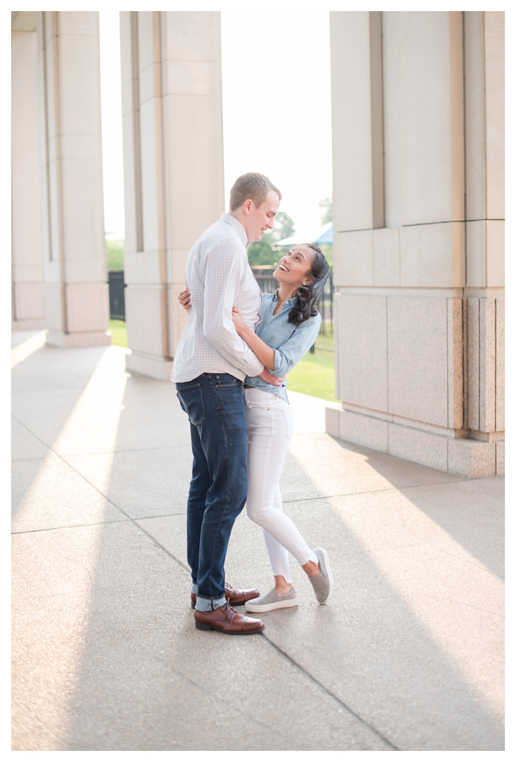Downtown Indianapolis Canal Walk Engagement Session_0843.jpg
