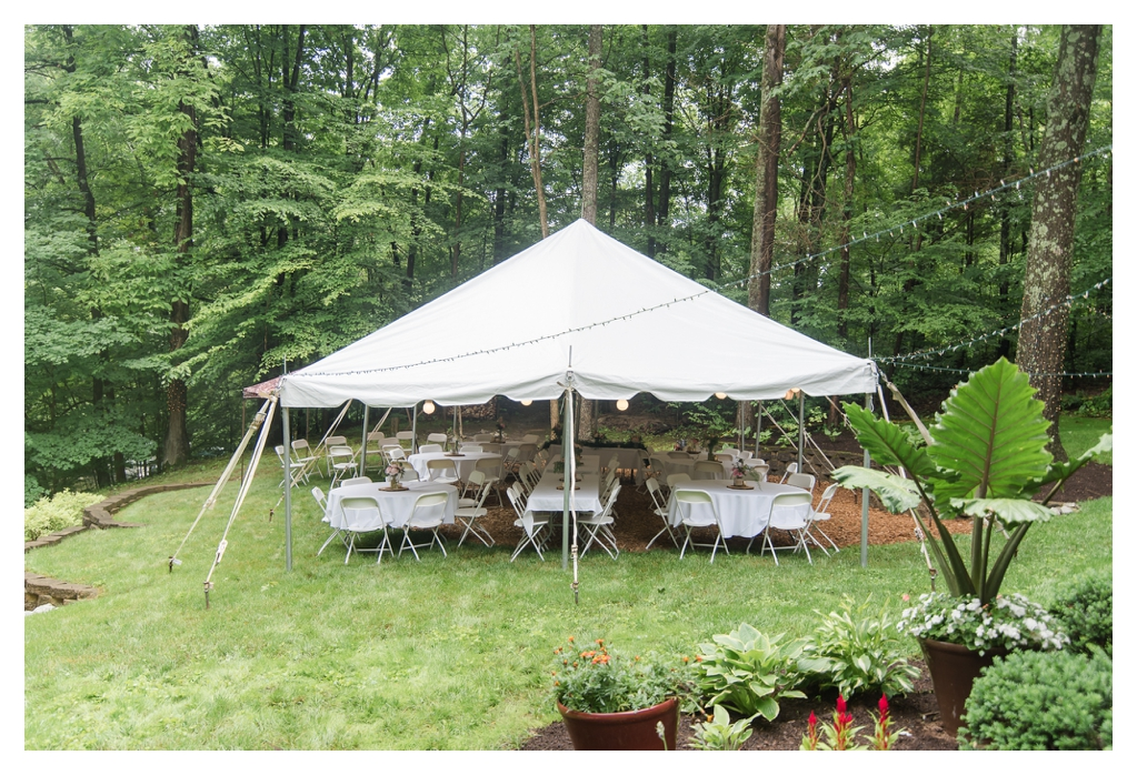 Outdoor Wedding in the Rain_1071.jpg
