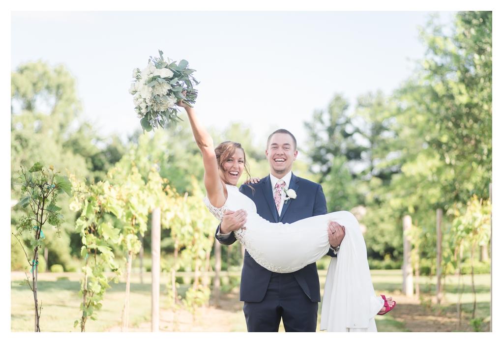 Finley Creek Vineyards Wedding Photographer_1289.jpg