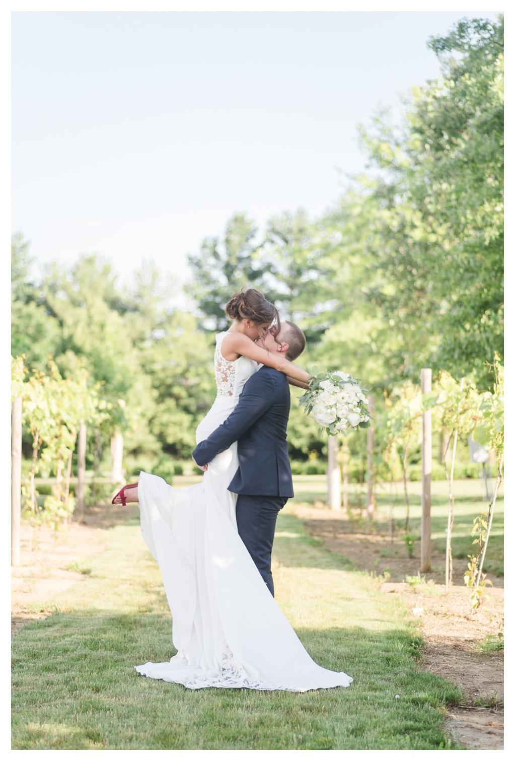 June Vineyard Wedding_1269.jpg