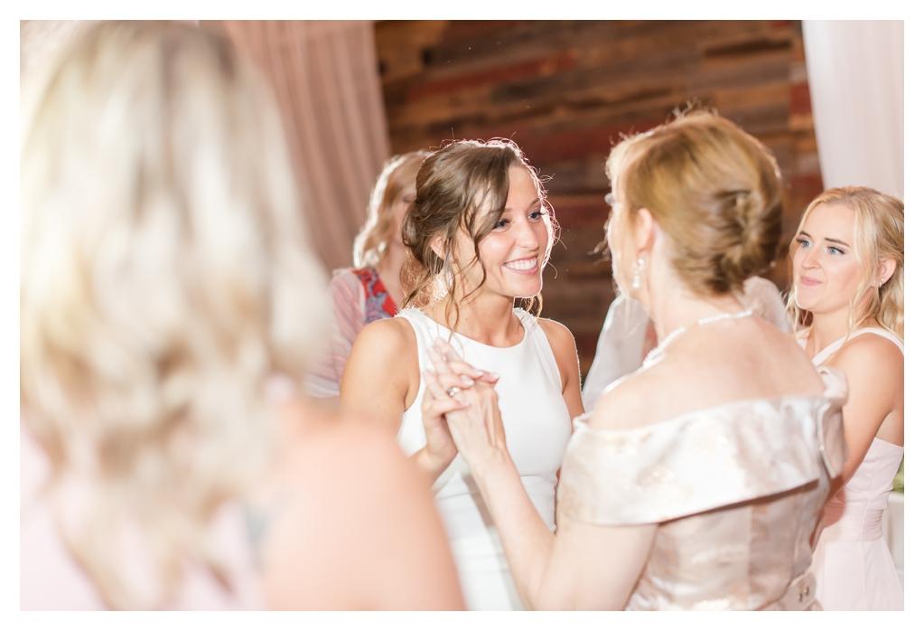 Summer Wedding at Finley Creek Vineyards_1240.jpg