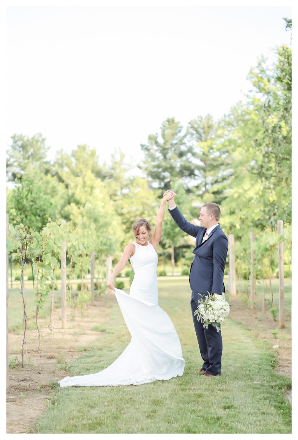 Summer Wedding at Finley Creek Vineyards_1250.jpg