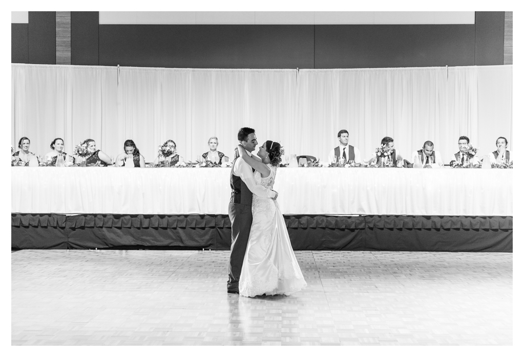 Fort Wayne Wedding Photographers_1470.jpg