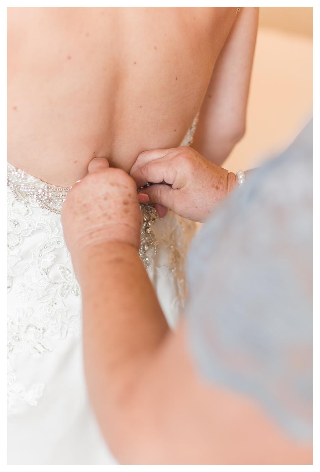Drury Inn for Getting Ready Photos on a Wedding Day_1485.jpg