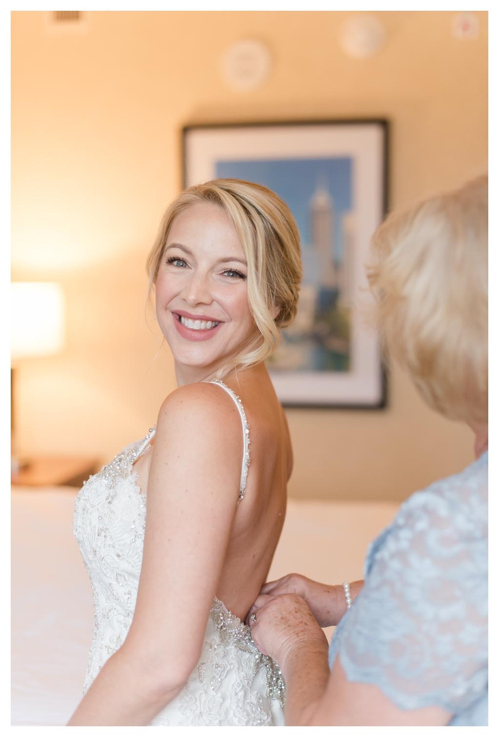 Drury Inn for Getting Ready Photos on a Wedding Day_1489.jpg