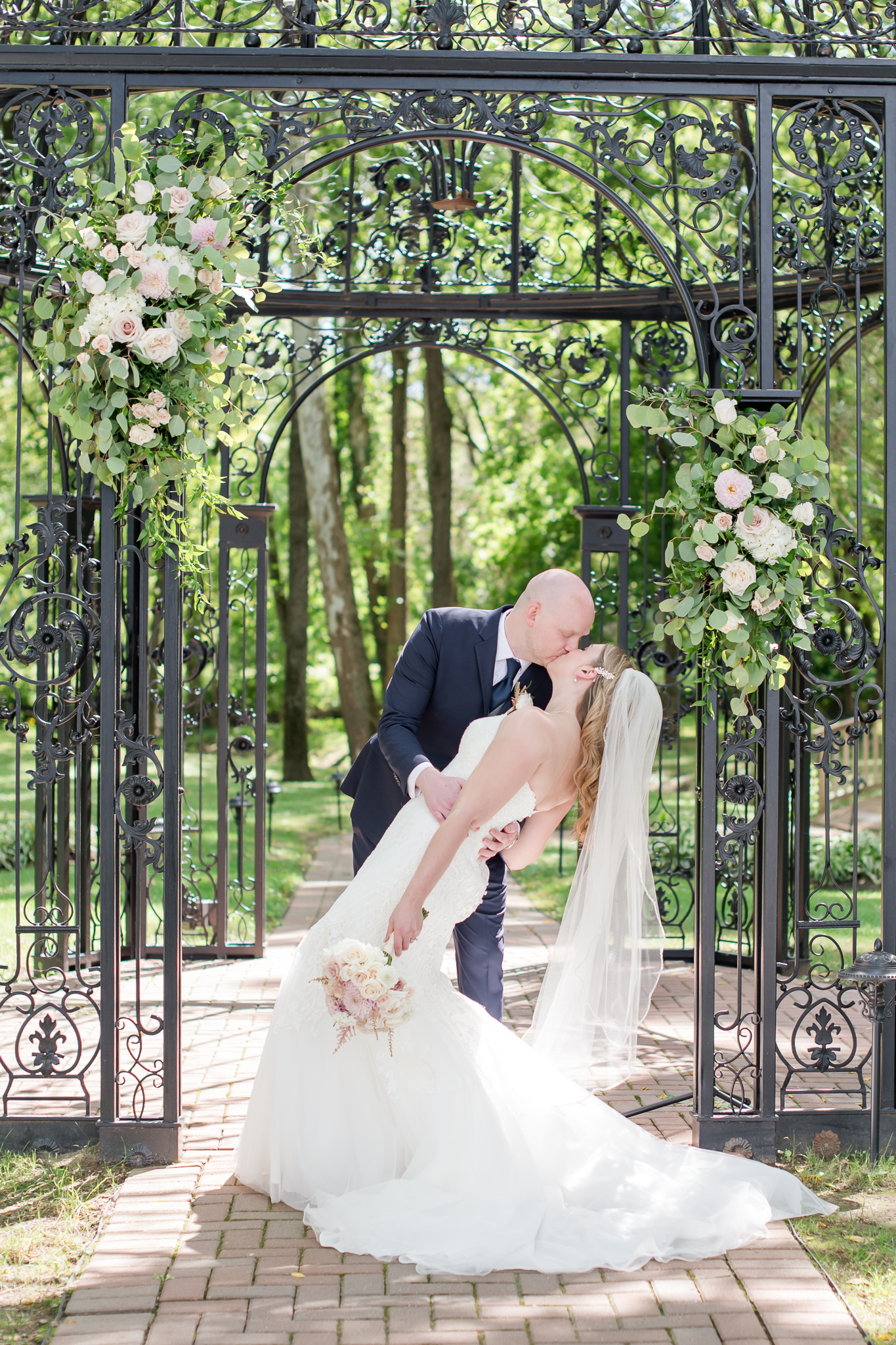 Black Iris Estate Wedding 2137.jpg