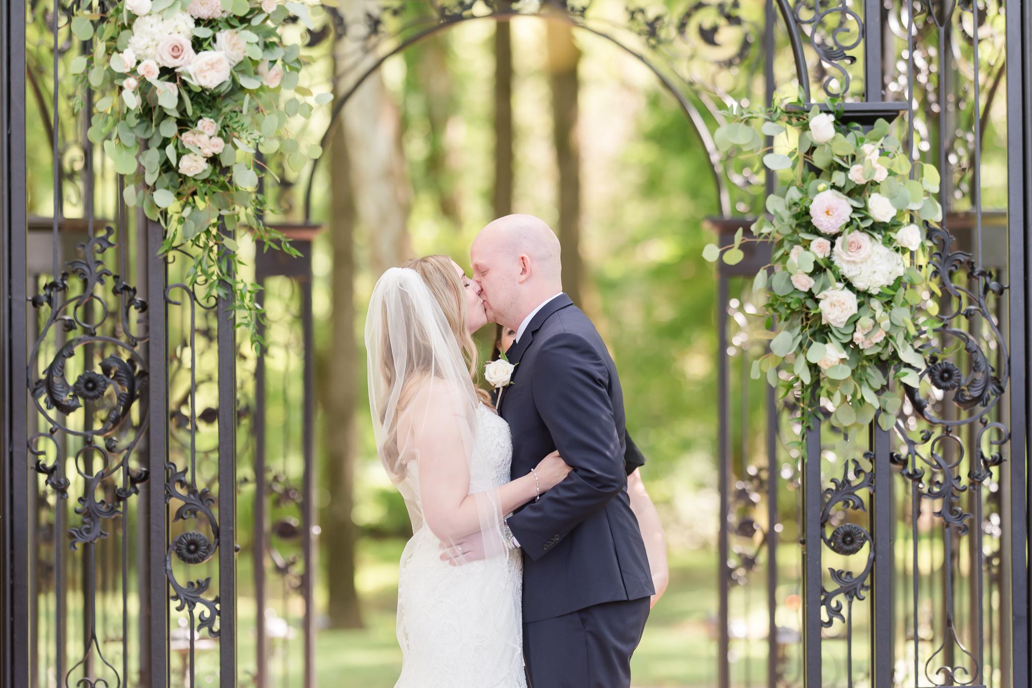 Black Iris Estate Wedding 3086.jpg