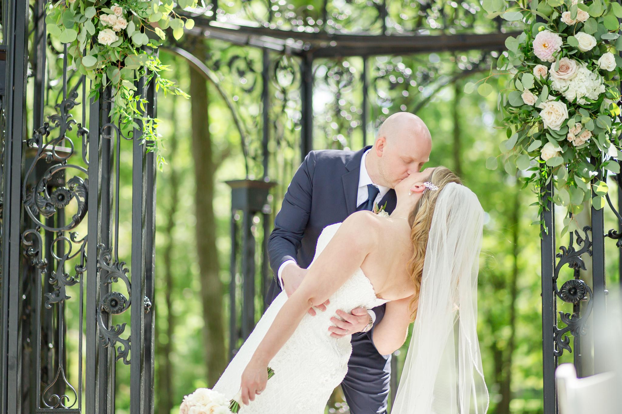 Black Iris Estate Wedding 7180.jpg