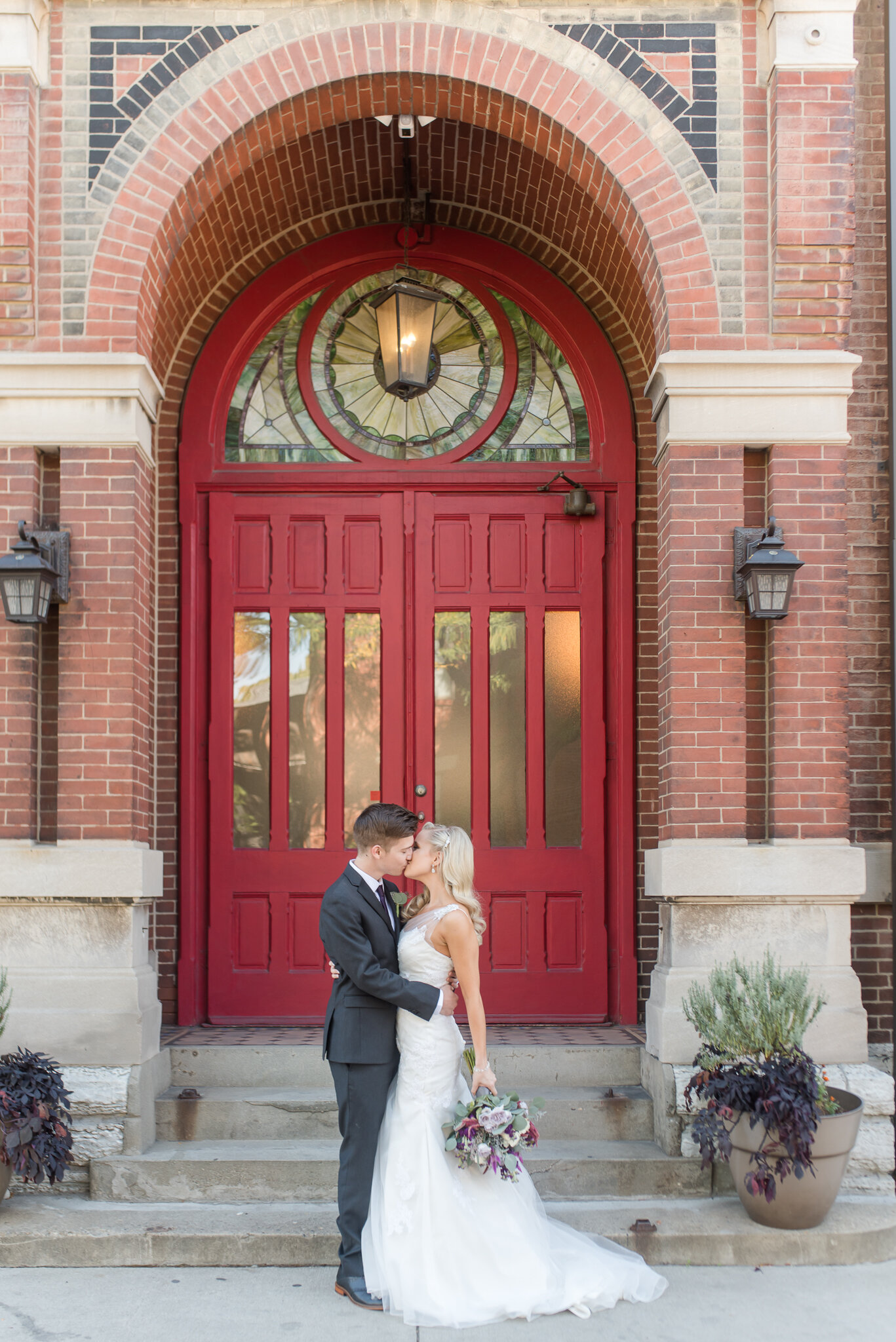 Downtown Indianapolis Wedding at Cyrus Place6569.jpg