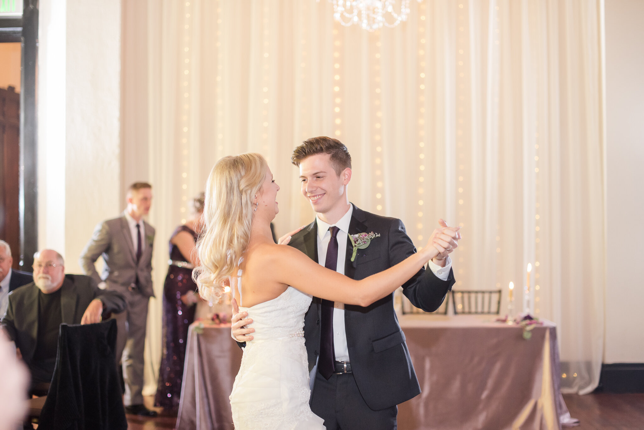 Downtown Indianapolis Wedding at Cyrus Place7991.jpg