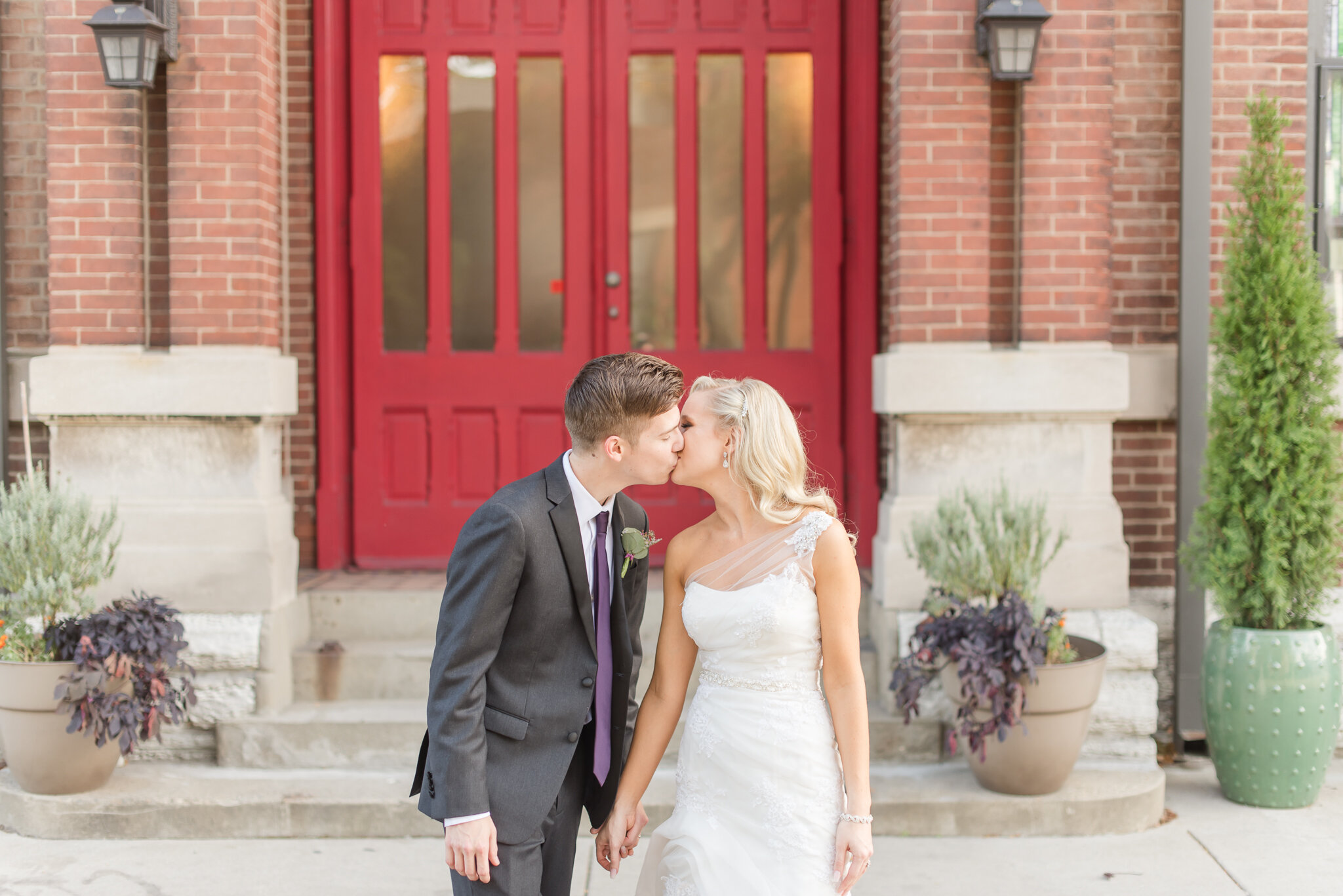 Downtown Indianapolis Wedding at Cyrus Place8363.jpg