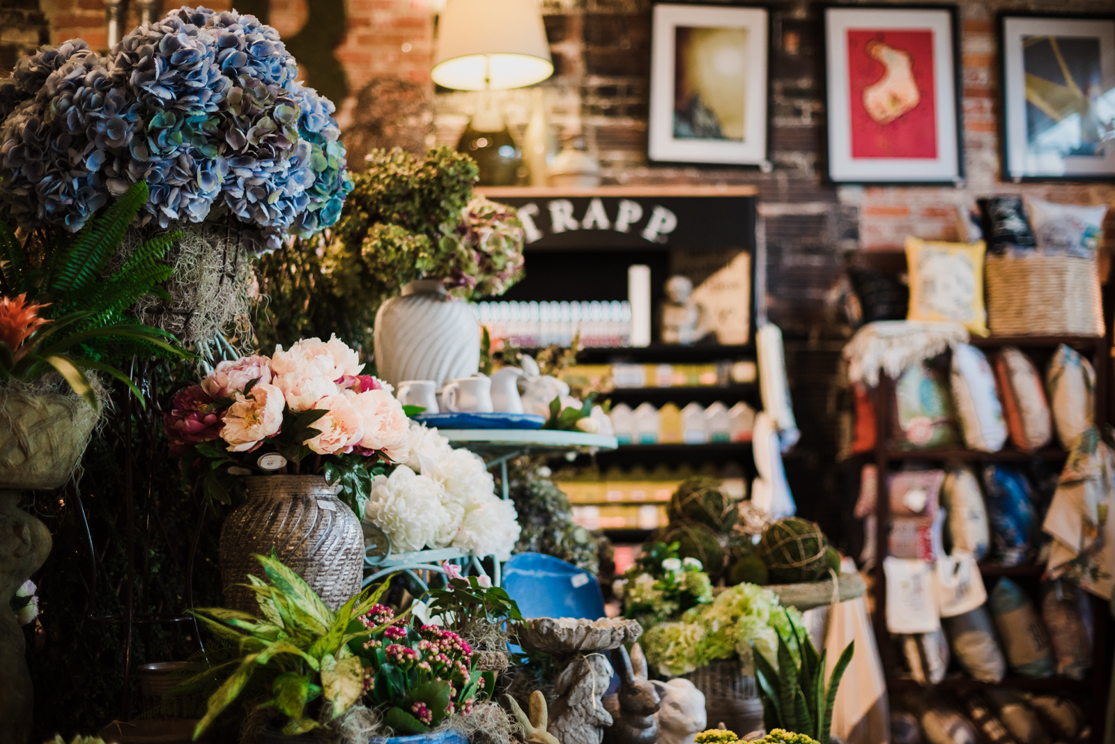 Blooms_Garden_Shop_Hattiesburg_Vendor_Florist-16.jpg