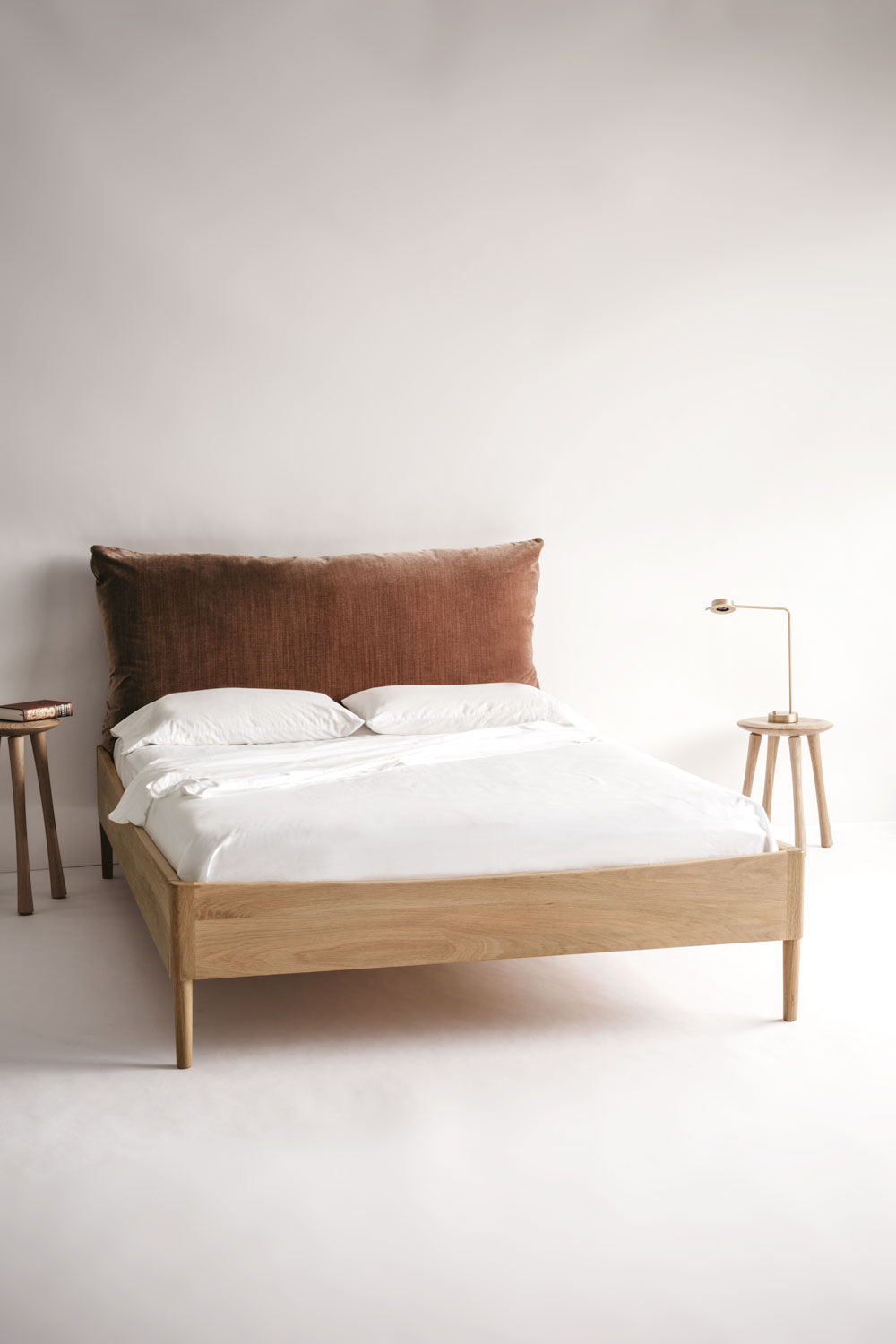 Frame & Pillow Bed
