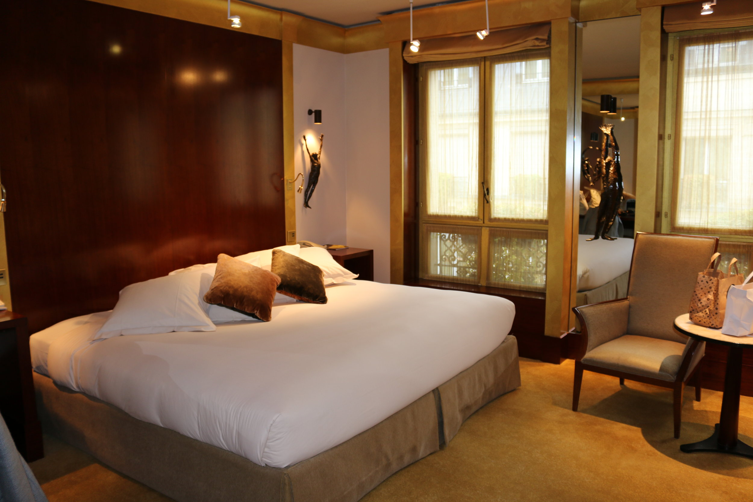 Park Queen (2014) | Park Hyatt Paris | Travelhappy Luxury Hotel Review