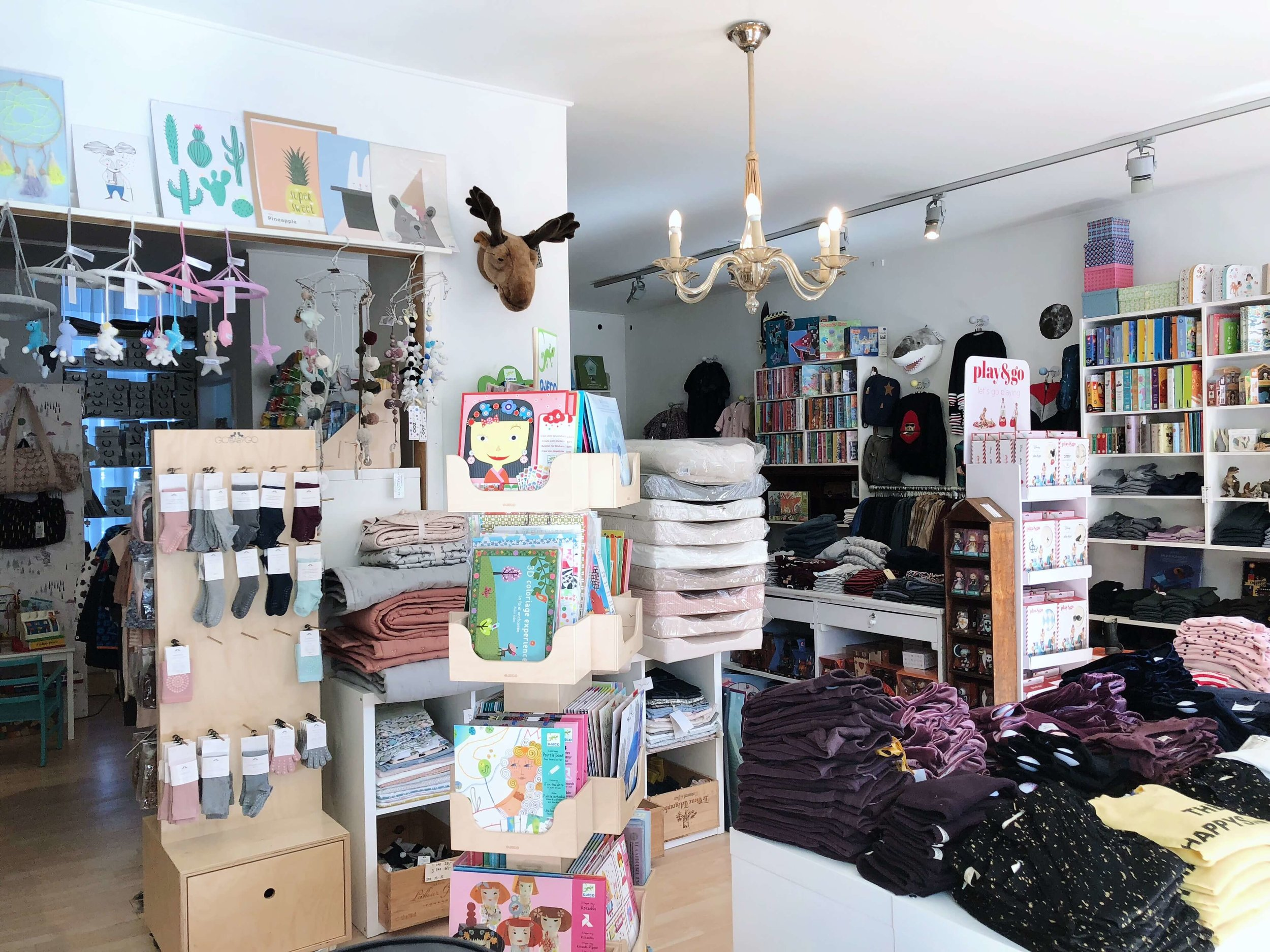 Barnlil' had the cutest clothes, bags, shoes, books, toys, changing pads, blankets, and decor… basically everything you would need to stock your nursery or playroom