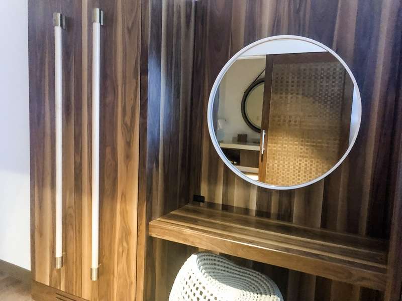 Wardrobe and mirror in King room