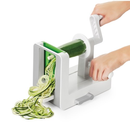 tabletop-spiralizer-making-noodles.jpg