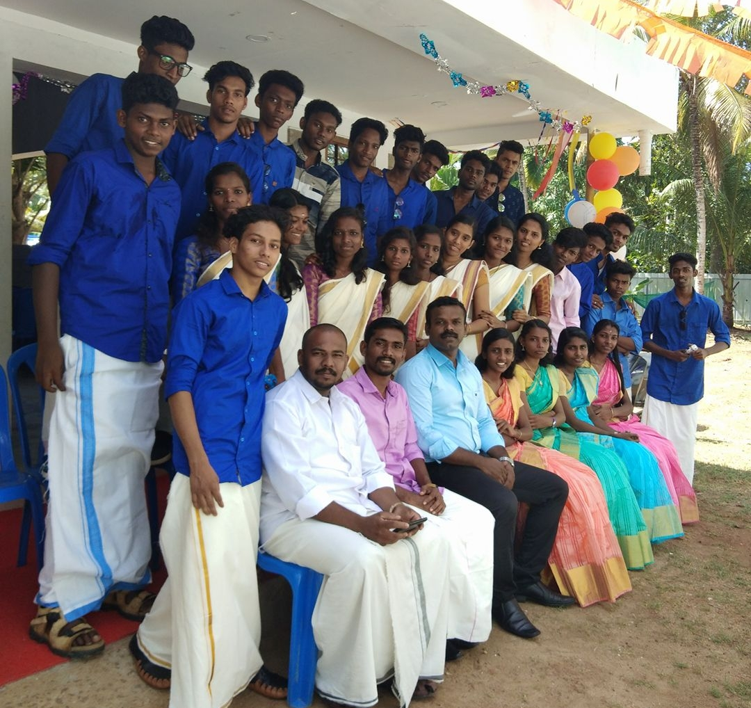 About - Lokuttara is a Kerala-based learning community, training the next generation of global leaders. We offer interactive courses in Communicative English and Computer Technology, as well as workshops that explore the Arts, Math, and Student Success.