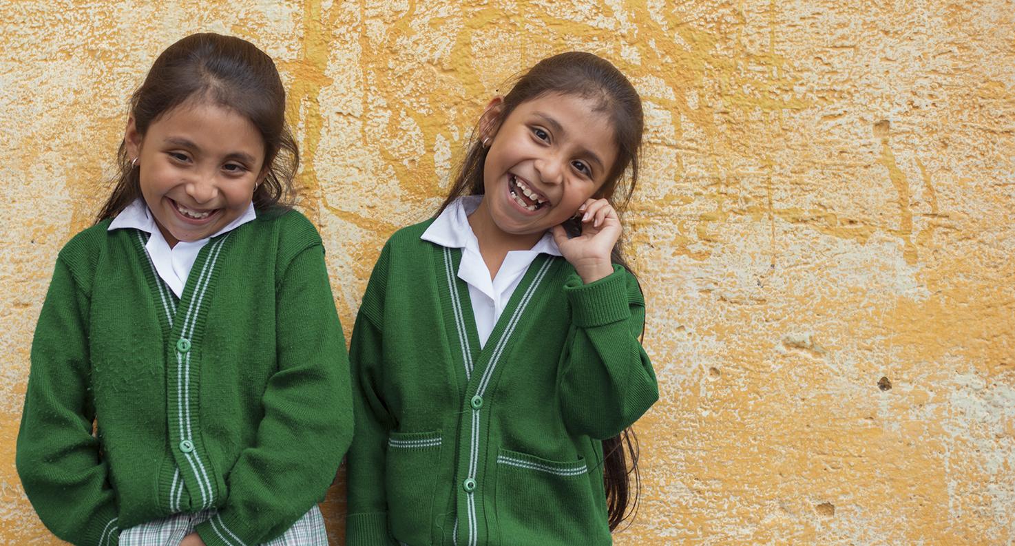 NUESTRA VISIÓN - Ser la organización pionera, líder e innovadora en el ámbito de la educación a través de la tecnología para influir y trascender en el desarrollo de Guatemala.