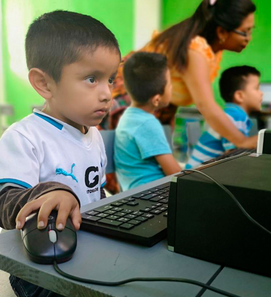 NUESTROS RECURSOS PEDAGÓGICOS - Funsepa posee un portafolio, que incluye ocho cursos, creados y alineados a la realidad de Guatemala; y ha adoptado la plataforma KA Lite para ayudar a resolver la necesidad de fortalecimiento en el área de mátemática.