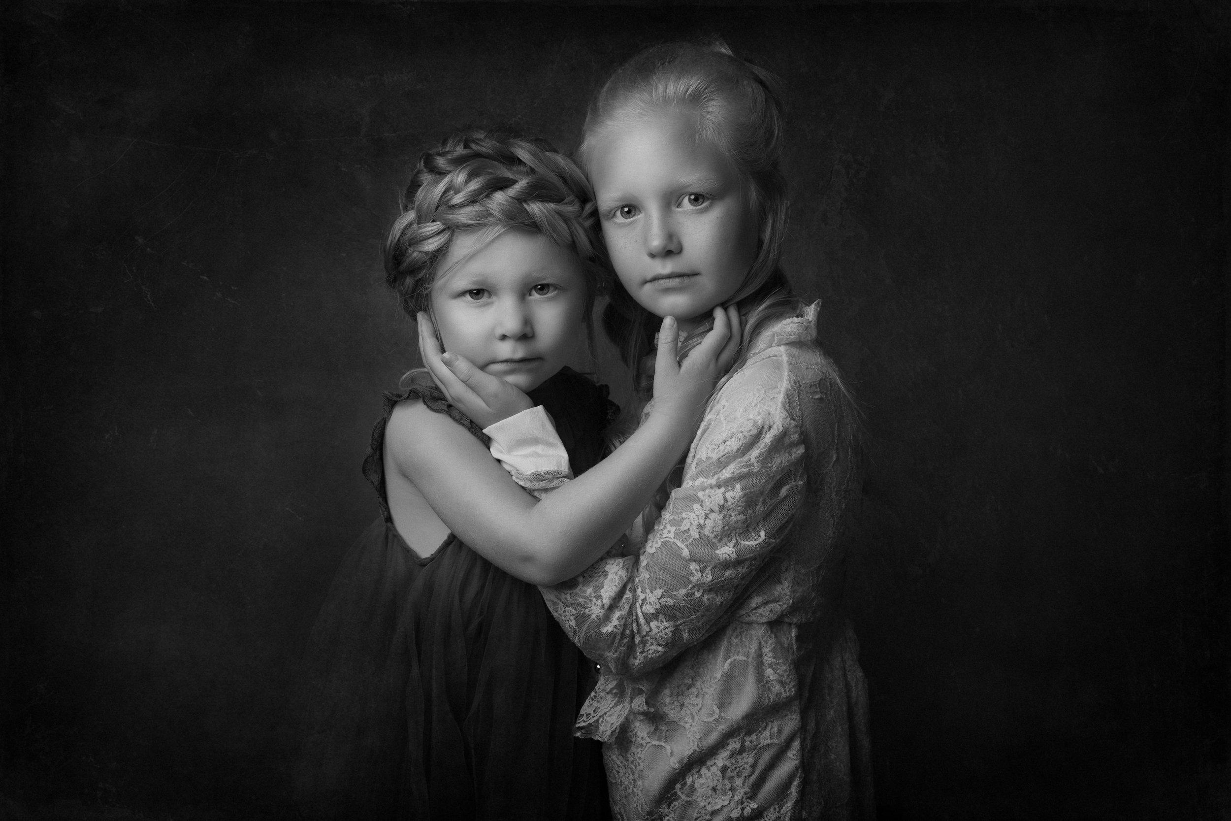 GIRLS FINE ART Weyburn saskatchewan kids portrait photographer.jpg