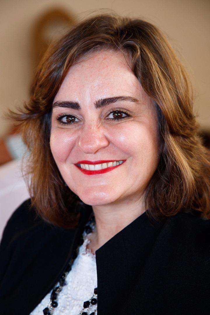 Lilian Erichsen Nassif - Psicologa clínica , Pós-doutora em Educação pela UFMG, Terapeuta Cognitiva certificada pela FBTC. Master Practitioner em PNL. Trainer em PNL.