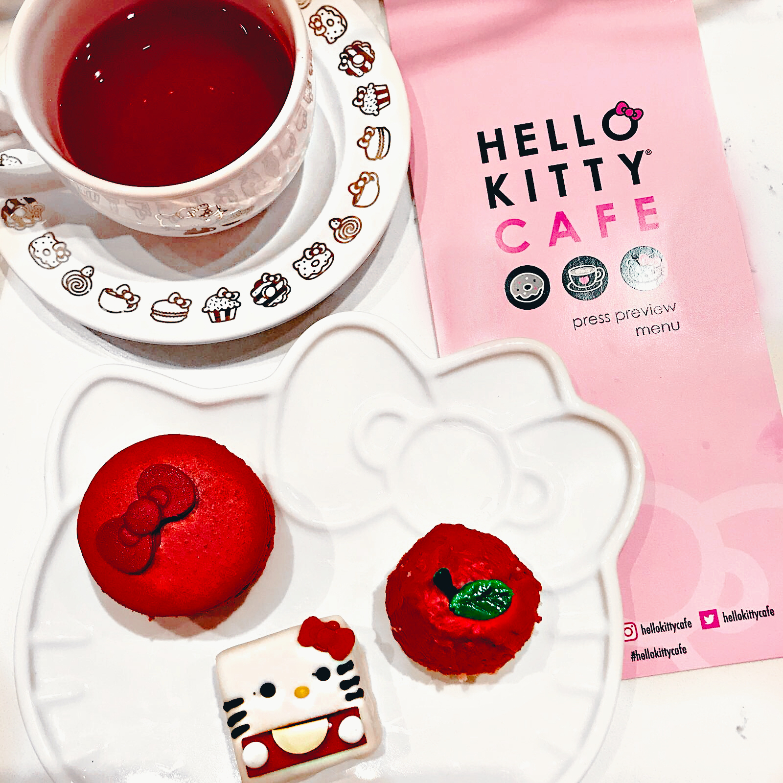 hello-kitty-cafe-4.jpg