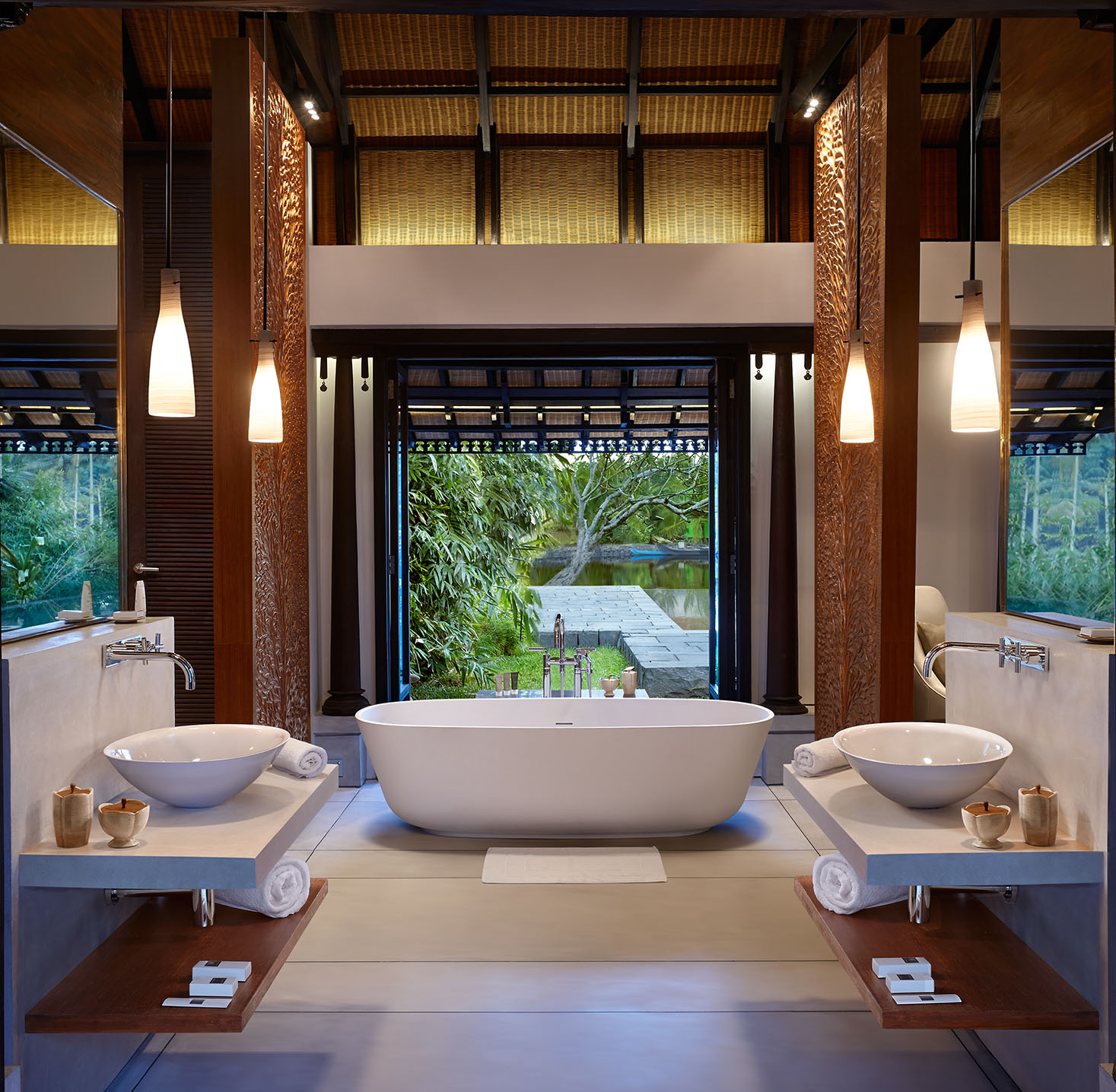 Orange Bath Room.jpg