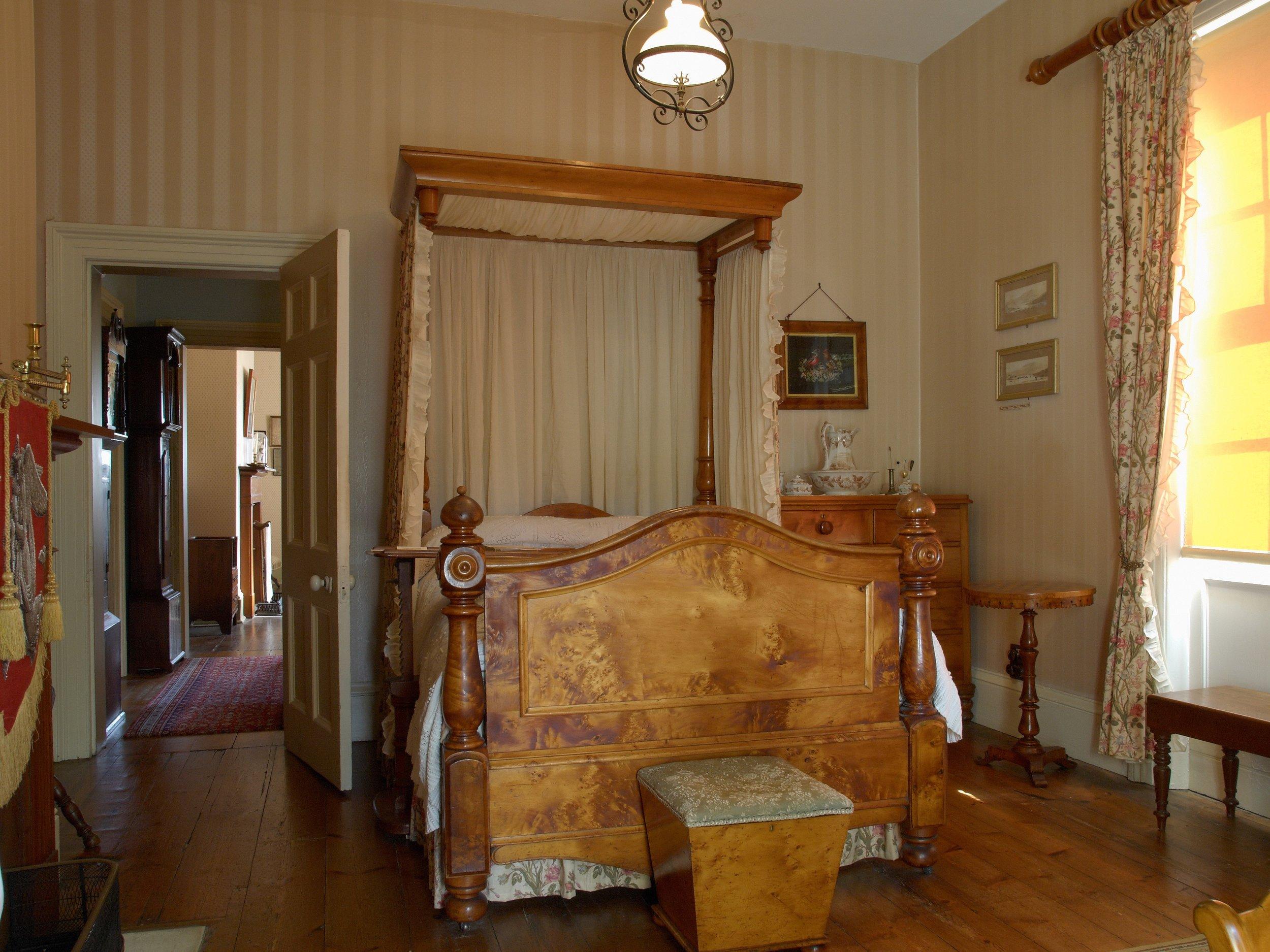 Huon Pine bed.jpg